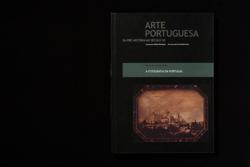 Portuguese art from prehistory to the 20th century: photography in Portugal, Vol.17, 2009.